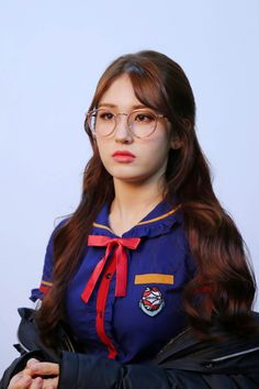 Find images and videos about girl, kpop and k-pop on We Heart It - the app to get lost in what you love. Kpop Girl Groups, Korean Girl Groups, Kpop Girls, Jeon Somi, Auburn, Afro, Elegant Wedding Hair, Vector Portrait, Cute Korean