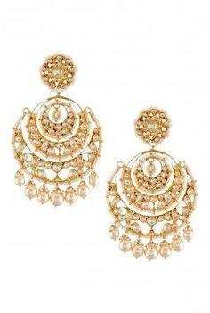 By Amrapali. Shop for your wedding jewellery, with a personal shopper & stylist in India - Bridelan, visit our website www.bridelan.com #Bridelan  #weddinglehenga #Bridestobe #brides #Indian #ethnic #jewellery #indianjewellery