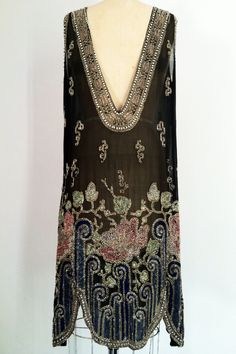 Antique Vintage Beaded Flapper Fine sheer black silk item features elaborately art deco beaded neck and hemline. An original unlabeled. 1920 Flapper Dresses, Beaded Flapper Dress, 1920s Dress, 1920s Flapper, Vintage Dresses, Vintage Outfits, Vintage Fashion, Mode Kimono, 1920s Outfits