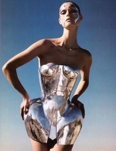 "fvshionandshxt: "" vogue-is-viral: "" Malgosia Bela in Dolce & Gabbana Spring 2007 by Camilla Akrans "" Fvshion & Shxt "" Image Fashion, Fashion Art, High Fashion, Fashion Shoot, Crazy Fashion, Daily Fashion, Street Fashion, Fashion Beauty, Lauren Hutton"
