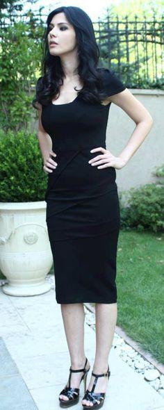 Hatice Sendil, Turkish Beauty, Hot Actors, Hot Dress, Turkish Actors, Ms Gs, Celebs, Celebrities, S Girls