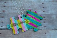 friendship necklace….with puzzle pieces! (kid craft monday)