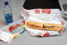 It's National Sandwich Day, and Subway is rewarding customers with a free sandwich to celebrate. Subway customers who by any sub and a . High Protein Fast Food, High Protein Recipes, Protein Foods, Snack Recipes, Le Mans, Subway Chicken, Subway Bread, National Sandwich Day, Taco Bell