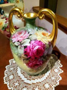 Porcelain Of China Fine Porcelain, Porcelain Ceramics, Ceramic Vase, Painted Porcelain, Porcelain Jewelry, Chandelier Art, Porcelain Dolls For Sale, Antique Glassware, Vintage Vases
