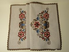 We are sure that if you buy one of these original, handmade and high quality embroidered tablecloths we can give pleasure to you with these wonderful Hungarian gifts. Floral Embroidery, Embroidery Stitches, Embroidery Designs, Linen Tablecloth, Tablecloths, Hungarian Embroidery, Chain Stitch, Needlework, Pattern