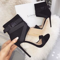 We're so obsessed with these buckle heels