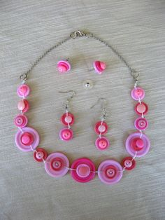BUTTONS JEWELRY button nacklace  shade of pink