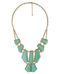 This necklace is such a bargain at only $12.80 from US based Forever 21. Will look awesome with coral or black.