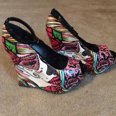 Too fast brand sugar skull wedges Beautiful fun accent to any outfit. Too Fast Shoes