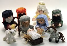 Crochet Christmas Nativity - Oh my goodness! This is just precious! I've been thinking about getting my little ones a toy Nativity set, but this one would be so much more special! Cute Crochet, Crochet Crafts, Crochet Dolls, Yarn Crafts, Christmas Nativity Scene, Noel Christmas, Christmas Crafts, Nativity Scenes, Christmas Printables