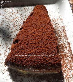 200 gr di farina, 200 gr di zucchero  75 gr di cacao amaro, 400 gr di latte  1 bicchierino di olio di semi di girasole (40 ml)  1 bustina di lievito per dolci    Misceliamo la farina con lo zucchero, il cacao e il lievito.  Mescolando aggiungiamo poco per volta il latte e l'olio di semi di girasole.  L'impasto sarà molto liquido.  Cuociamo a 170°C circa per 30-35 minuti.  Controlliamo la cottura con uno stuzzicadenti: il dolce è pronto quando esce umido, ma non bagnato.