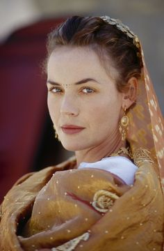 """Connie Nielsen as Lucilla. """"Gladiator"""", movie, 2000. Representation of a wealthy woman."""