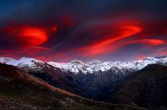 La cordillera de los tres miles   by Francisco Mingorance - The aurora australis over the mountains - what magnificence!