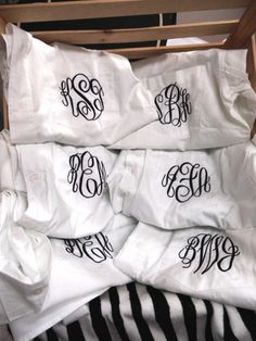 Personalized Bridal Party Shirt set of 6 - Monogrammed Button Down Shirt