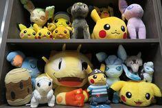 Comme promis, voilà les nouvelles peluches #Pokemon reçues ce-jour ! ^_^ Contactez-nous si besoin, par MP ou téléphone ;-)   #Nekoten #evolitions #evoli #pikachu #pokemoncenter #japan #import #direct #nice #cannes #colorful #kawaii #fun