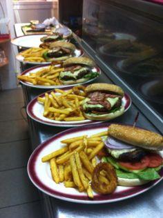 Veranda Restaurant, Greek Dishes, Refreshing Drinks, Chips, Homemade, Ethnic Recipes, Food, Potato Chip, Essen