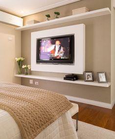 Detalhes delicados e lindos no quarto de casal. Amei Projeto Monise Rosa Me encontre também no @pontodecor {HI} Snap:  hi.homeidea  http://ift.tt/23aANCi #bloghomeidea #olioliteam #arquitetura #ambiente #archdecor #archdesign #hi #cozinha #homestyle #home #homedecor #pontodecor #homedesign #photooftheday #love #interiordesign #interiores  #picoftheday #decoration #world  #lovedecor #architecture #quartocasal #inspiration #project #regram #canalolioli