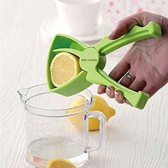 Amazon.com: Meeyoung Hand Press Lemon Citrus Juicer Squeezer: Home& KitchenAmazon.com: Meeyoung Hand Press