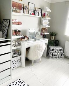 Visit IKEA online and find storage ideas and explore our range of storage furniture. Cute Bedroom Decor, Teen Room Decor, Room Ideas Bedroom, Small Room Bedroom, Bedroom Inspo, Malm Dressing Table, Dressing Room Decor, Dressing Room Design, Fashionista Bedroom
