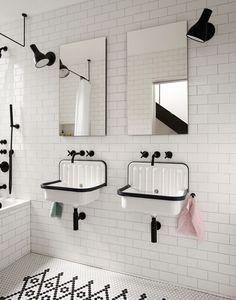 Bathroom shower design - Little House Big City by Office of Architecture Bathroom Tub Shower, Tiny House Bathroom, Trough Sink Bathroom, Travertine Bathroom, Tub Tile, Bathroom Bin, Shower Niche, Bathroom Plants, Shower Floor