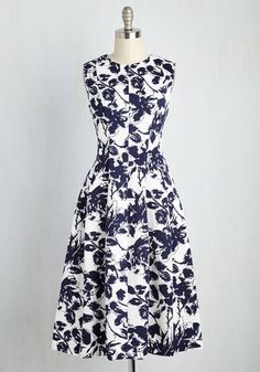 Uptown Function Dress  Be it an interview or a sophisticated date, this white dress is perfect for all of your metropolitan events! A sashay around the city in the navy flowers, figure-flattering vertical seams, and side pockets of this stunning midi will have you arriving to your commitments feeling elegant and energized. The post  Uptown Function Dress  appeared first on  Vintage & Curvy .  http://www.vintageandcurvy.com/product/uptown-function-dress
