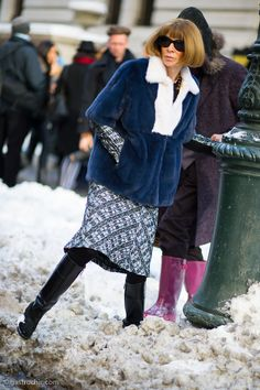 Anna Wintour in the Snow, Outside Victoria Beckham #streetstyle #NYFW #fashion on http://www.gastrochic.com