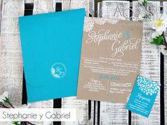 Invitaciones de boda en kraft y turquesa con detalles florales / wedding invitations / invitaciones de boda rústicas