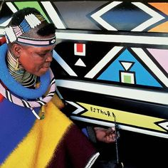 « In celebration of internationally renowned Ndebele artist Esther Mahlangu's 80th birthday on 11 November 2015, the artist will lauch a solo exhibition,… »
