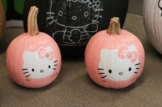 Hello Kitty Pumpkin ... I know some people who would love this :D Sydney Brunelle