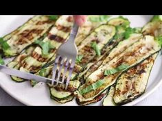 Make Perfect Grilled Zucchini all summer long! Quick and easy, great as a side dish with anything you're grilling from chicken, to steak and fish. Side Dishes Easy, Side Dish Recipes, Vegetable Sides, Vegetable Recipes, Grilled Zucchini Recipes, Chorizo Recipes, Skinnytaste, How To Cook Shrimp, Easy Cooking