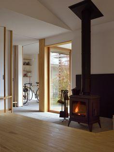 Interior Living Room Design Trends for 2019 - Interior Design Hemnes, Japan Interior, Japanese Style House, Interior Architecture, Interior Design, House Entrance, Big Houses, Sofa Design, Houses