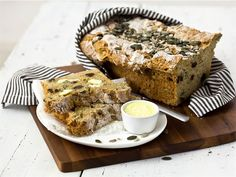 Siemenvuokaleipä Banana Bread, Vegetarian Recipes, Desserts, Drinks, Kitchen, Tailgate Desserts, Drinking, Deserts, Beverages