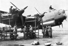Preflight engine check of British Avro Lancaster Mk.I bomber from the Squadron of the British Royal Air Force. Navy Aircraft, Aircraft Photos, Ww2 Aircraft, Military Aircraft, Lancaster Bomber, Aircraft Maintenance, Ww2 Planes, Royal Air Force, Royal Navy