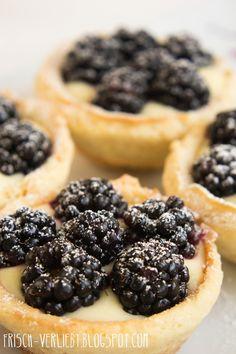 Brombeeren Pudding Törtchen by Frisch Verliebt