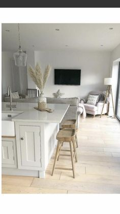 Small Kitchen Diner, Small Open Plan Kitchens, Kitchen Diner Extension, Barn Kitchen, Kitchen Family Rooms, Living Room Kitchen, Home Decor Kitchen, Home Living Room, Home Kitchens