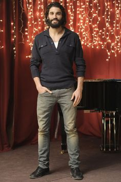 Álex García, larga melena - Las mejores fotos del guapo actor de ... Alex Garcia, Sharp Dressed Man, Actors, Man Crush, My Man, Chemistry, Men Dress, Cool Hairstyles, Crushes