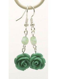 Oorbellen met turquoise roosjes en bijpassende fijne kraal