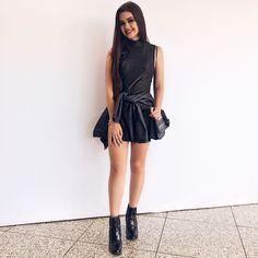 Eu AMEI BH!!  já estou indo embora com gostinho de quero mais! Obrigada @minastrend_ pelo convite, e adorei minha clutche da @donnabrasil + acessórios da @aramezacessorios (olha que mara esse brinco de Tucano!!!), enfim, quero muito voltar...  #minastrend Amai, 98, Tumblr Girls, All Black, Youtubers, Style Me, Summer Outfits, Dress Up, Spring Summer
