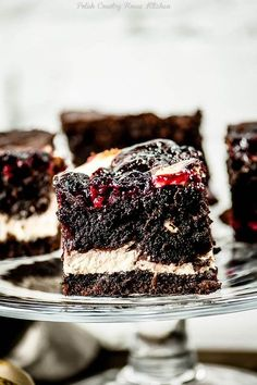 Moist chocolate cake loaded with fresh cherries and a swirl of cream cheese filling. (in Polish) Mini Cakes, Cupcake Cakes, Cake Recipes, Dessert Recipes, Cream Cheese Filling, Appetizer Recipes, Chocolate Cake, Sweet Tooth, Bakery