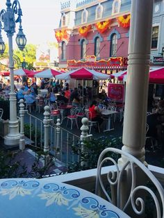 Complete list—all of Disneyland's best outdoor dining for fresh air and plenty of Disney magic. Spots to eat at Disneyland outdoors.