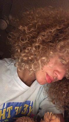 natural curls dyed blonde 🌻 | mixed/ biracial hair