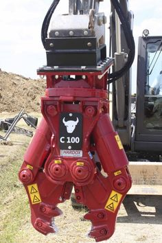 C100 demolition crusher