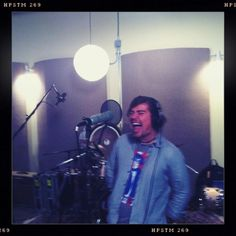 Zac killing it on the NEW Fan Club EP. Coming in May. -ISAAC www.hanson.net #hanson