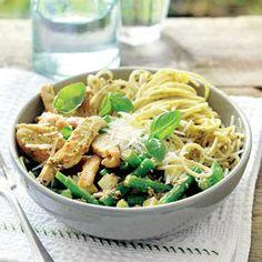 Woensdag 5 september: Recept - Pasta met aardappel, kip en sperziebonen - Allerhande
