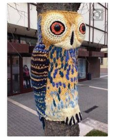 ♥Cool Yarn bombing on this tree with a owl, I like it♥