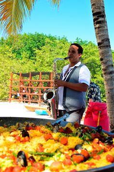 Novedad en Hacienda Tres Ríos: ¡El mercado de pescado cada miércoles a la 1pm! Disfruta pescado fresco (pesca del día) ceviche, paella y mariscos en la playa.