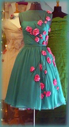 Vintage dresses are the best. shila_amore