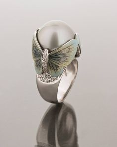 GABRIELLE'S AMAZING FANTASY CLOSET | Butterfly ring by Ilgiz Fazulzyanov | I love Pearls and I have collected many beautiful Pearl Rings. But I'm pretty sure I never saw a Pearl Ring as Exquisite as this. - Gabrielle