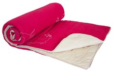 This is a pink colour Quilts which is made from cotton fabric which is a Reme Brand.