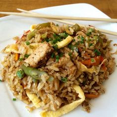 Learn how to make sesame Chicken Fried Rice with this delicious and easy recipe. Fried rice is such a common dish that the sub-par versions we either make ourselves. Yummy Recipes, Rice Recipes, Salad Recipes, Recipies, Yummy Food, Couscous, Chicken Recepies, Mexico Food, Colombian Food